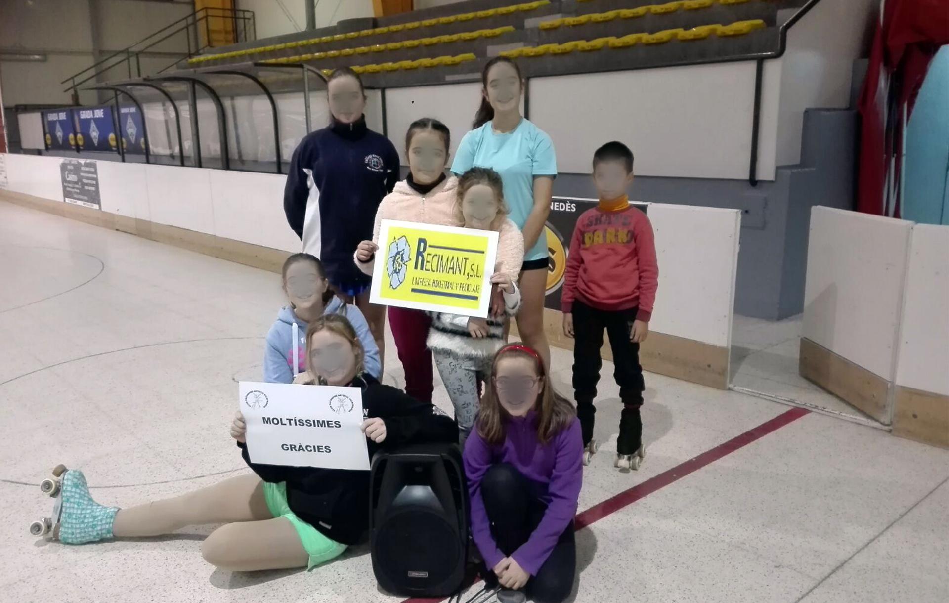 Recimant participa en la adquisición de material del equipo de patinaje artístico de Santa Margarida i els Monjos (Barcelona).